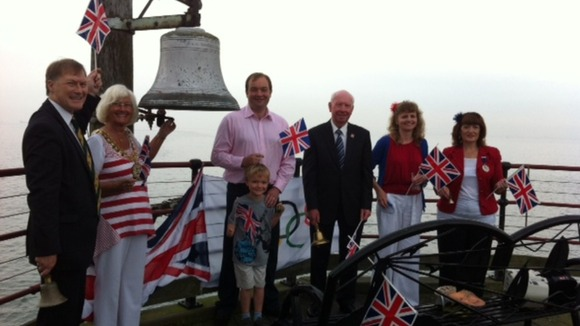 Bell-ringing at Southend Pier