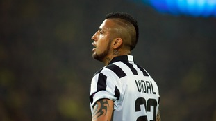Juventus midfielder Vidal set for court after Santiago car crash