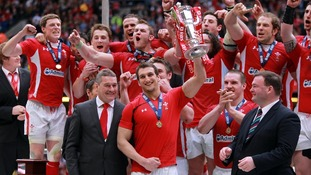 Sam Warburton lifts the cup