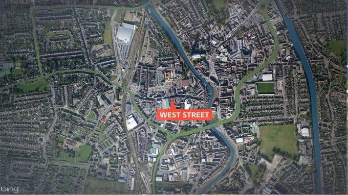 Man Stabbing Woman in Street Man Stabbed at West Street in