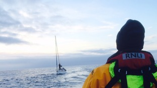 Eyemouth RNLI lifeboat called to help yacht