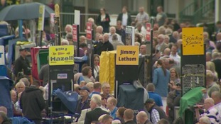 WATCH: Thousands attend Bell and Plate meeting