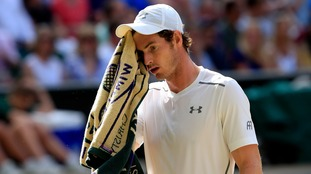 Murray was overpowered by Federer in straight sets.