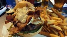 Pubs restaurants should 'show leadership' over obesity.