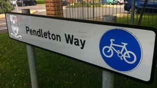 Victoria Pendleton sign