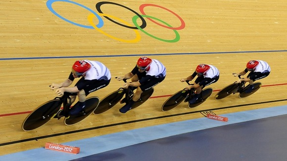 Geraint Thomas and his Team Pursuit squad