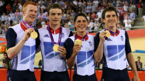 Team GB men&#x27;s team pursuit with their gold medals