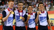 Team GB men's team pursuit with their gold medals