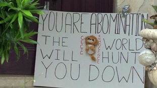 The sign left outside Walter Palmer's Californian holiday home.