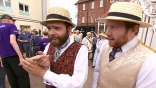 Watch fans' reaction to England's Ashes victory at Trent Bridge