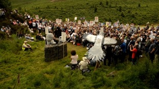 Chris Packham leads protest against illegal killing of a rare bird of prey