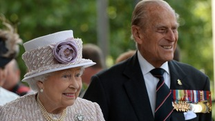 Queen and Duke lead nation on VJ Day 70th anniversary
