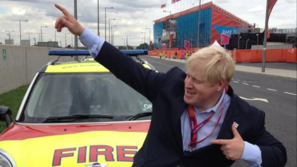 Boris Johnson does Usain Bolt's winning pose