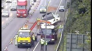 Collision between boat and lorry causes long delays on M25