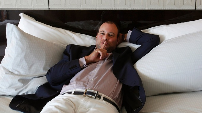 Ashley Madison CEO steps down in aftermath of hack