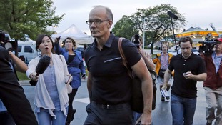 Walter Palmer returns to work at his surgery