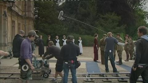 DOWNTON_BTS