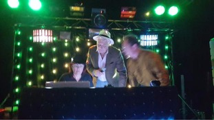 Ex leader Paddy Ashdown on the decks at Lib Dem disco