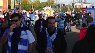 Fans arrive