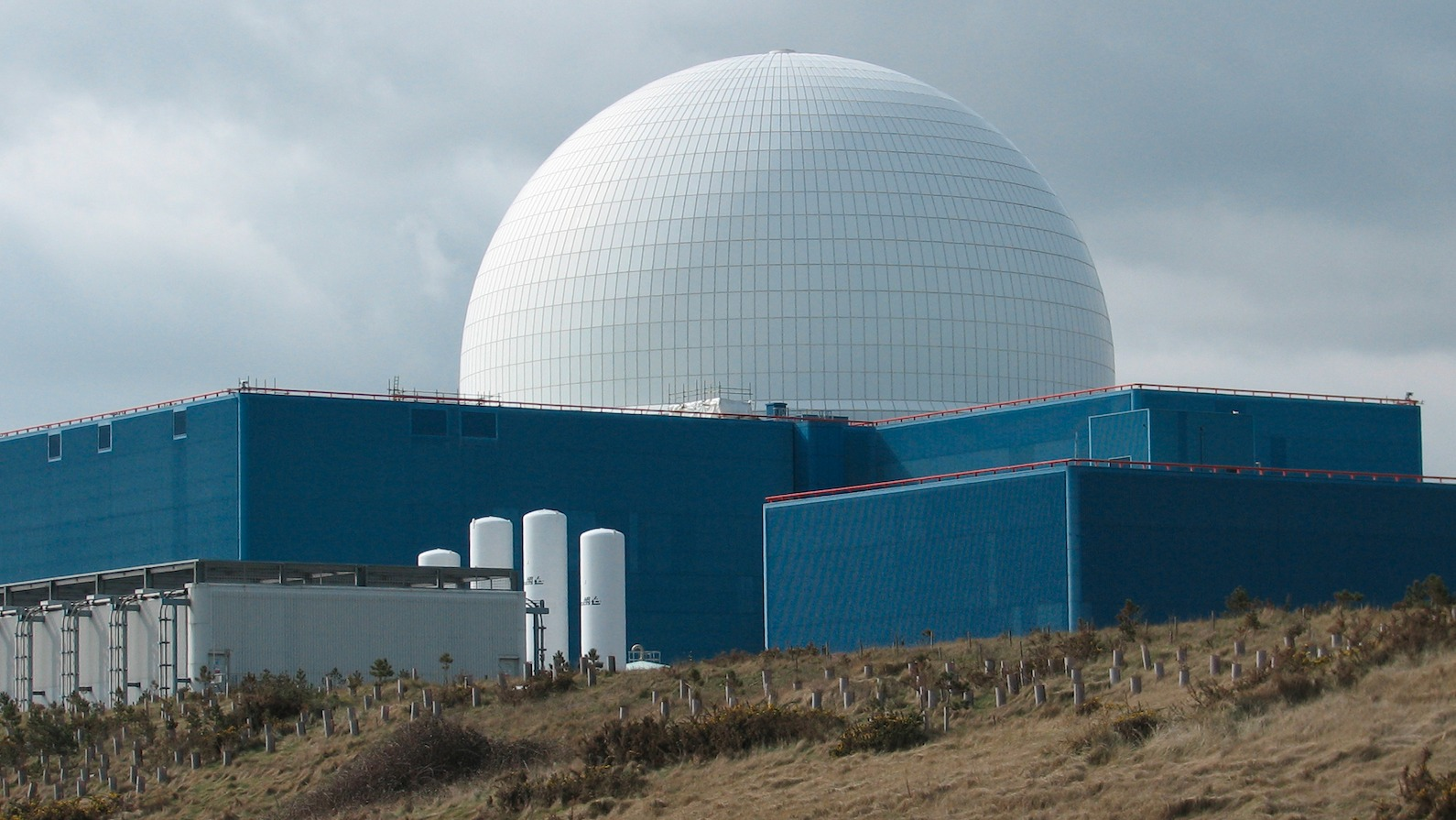 Credit Report Companies >> Chinese sign Bradwell and Sizewell nuclear deal | Anglia - ITV News