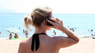 Mobile phone roaming charges to be banned in EU from June 2017