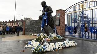 Mourners gather on the streets around Goodison Park to say goodbye to Howard Kendall