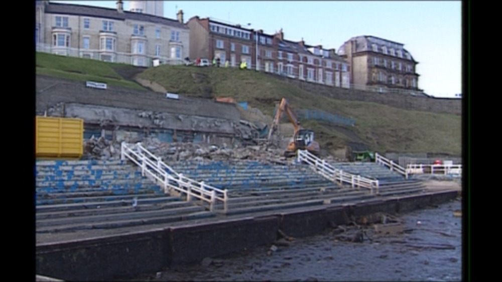 Dispute Over Tynemouth 39 S Derelict Lido Tyne Tees Itv News