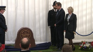 The Prime Minister unveils the memorial stone in memory of PC Ian Dibell.