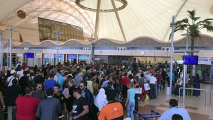 Crowds in front of security check at the airport in Sharm el-Sheikh