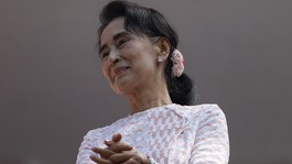 Burma: Aung San Suu Kyi's party wins absolute majority in elections
