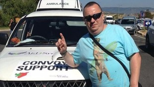 Alan Henning with his aid convoy.