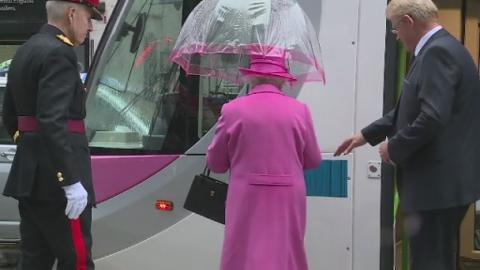 QUEEN_ON_TRAMS