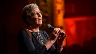 Cynthia Davies sings whilst wearing an oxygen tube.