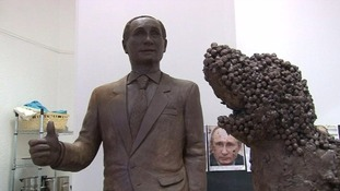 Artist creates life-size chocolate sculpture of Russian President Vladimir Putin