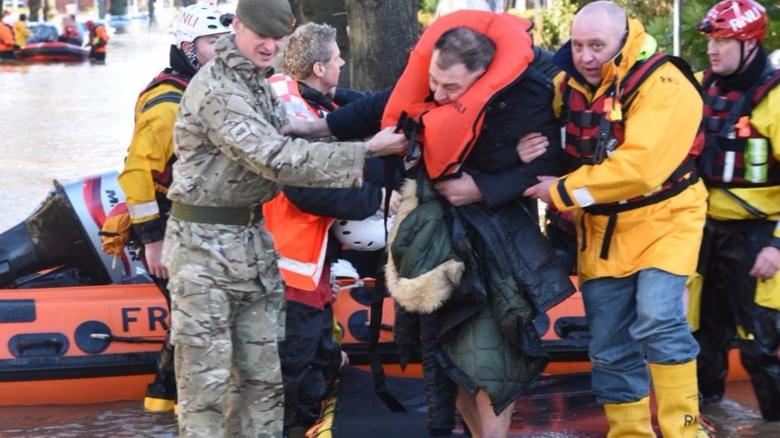 Soldiers Rescue Residents From Flood Homes In Carlisle Itv News