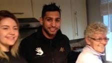Stephanie Boyd and her grandmother Murial Boyd with Amir Khan.