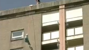 Doris Long, abseiler