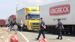 'Call in the Army' - hauliers demand a military presence in Calais