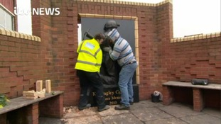 Memorial to miners dismantled as Kellingley shuts down