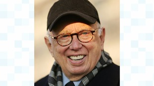 Abstract painter Ellsworth Kelly dies, aged 92