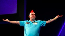 Peter Wright celebrates his win.