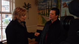 Anna Soubry meets owner of Fresco Italian Restaurant