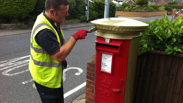 A postbox in Belton, near Great Yarmouth, is painted gold in honour of Jessica-Jane Applegate