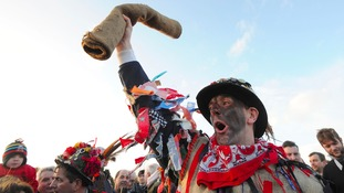 Dale Smith as 'The Fool' addresses the crowd before the 2013 Haxey Hood