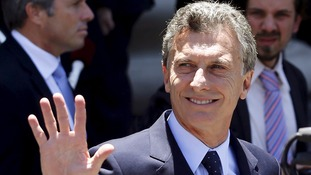 Argentina manhunt 'confusion' sees president embarrassed as two killers remain at large