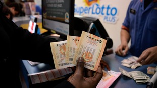 US lottery breaks world record with $1.5 billion rollover