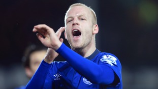 Everton striker Naismith swaps Toffees for Canaries