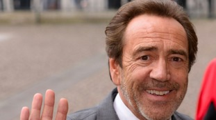 "Robert Lindsay has been honoured for ""never forgetting his roots"""