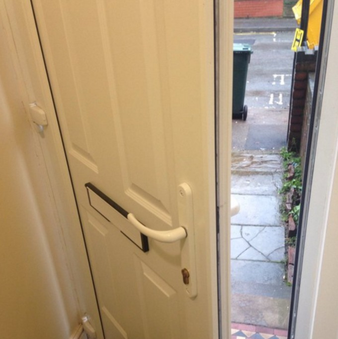 Another door found insecure by burglary patrol officers & Police officers cause a stir on Twitter after walking into ... Pezcame.Com