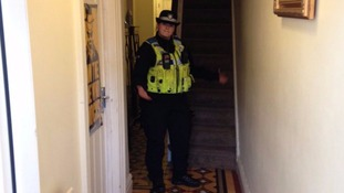 Police enter unlocked homes and tweet pictures in burglary warning
